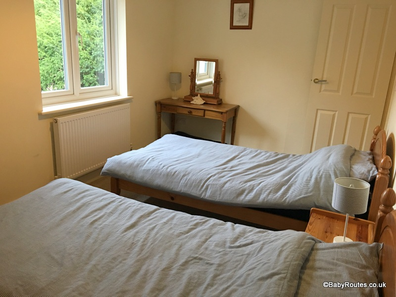 Twin bedroom, Brackenhurst, Norfolk Cottages, Accommodation Review in West Runton, Norfolk.