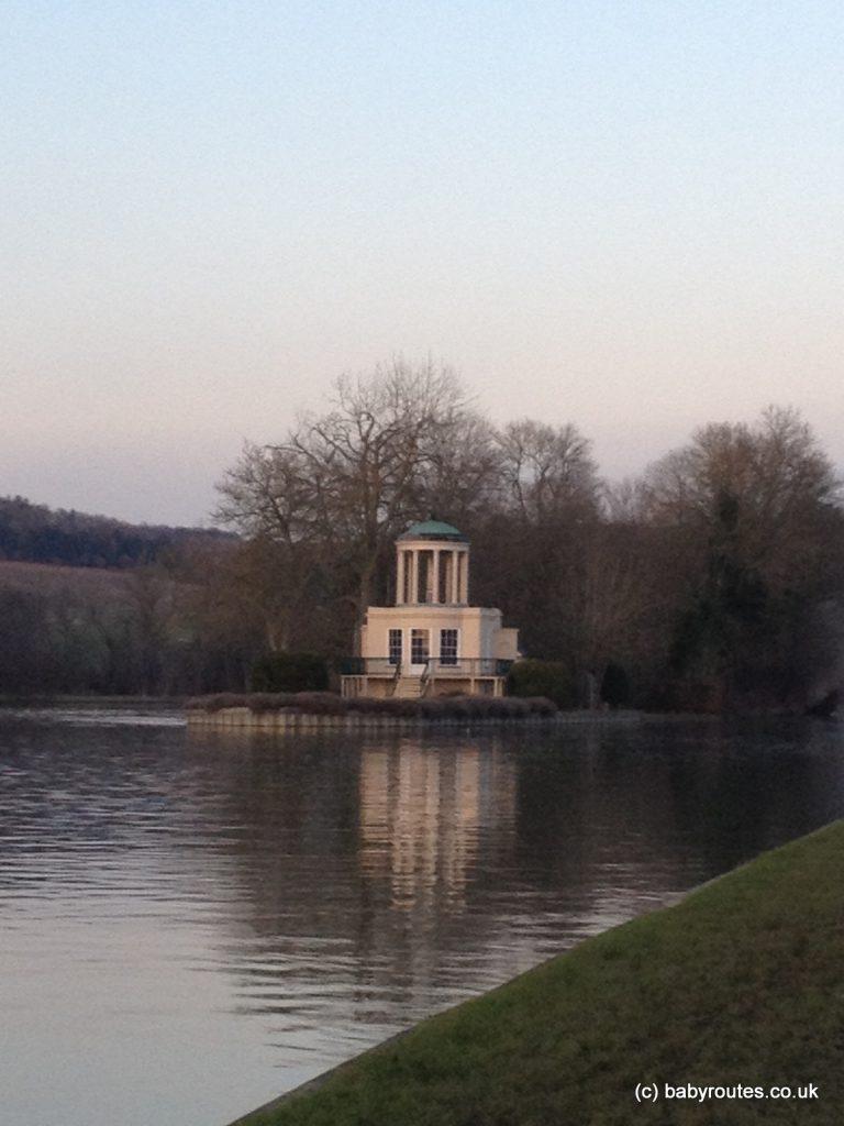 Temple Island, Henley-on-Thames, Henley Regatta walk