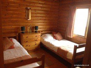 Twin bedroom, Glen Beag Mountain Lodges, Cairngorms, Scotland
