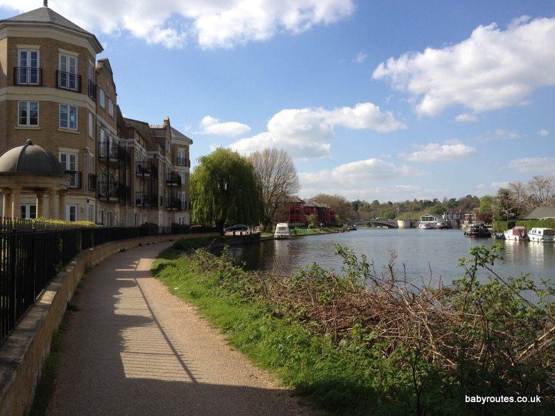 Reading to Tilehurst Thames Path Walk