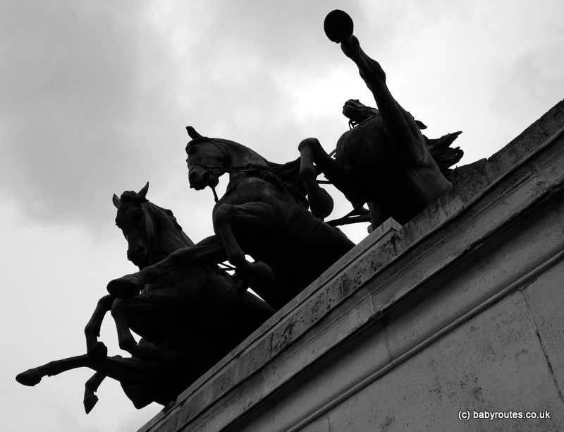 Wellington Arch Horses, Baby Routes, London