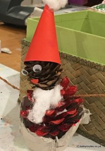 Christmas Nature Crafts: How to Make a Pine Cone Santa